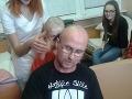 Peter Kuko Hrivňák sa dal ostrihať na detskej onkológii.