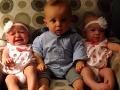 Bohovská reakcia na VIDEU: Chlapček je úplne mimo, prvýkrát v živote vidí dvojičky!