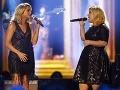 Kelly Clarkson (vpravo) sa nevie zbaviť popôrodných kilogramov a dvojitej brady.