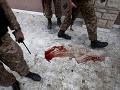 Žena sa musela pozerať na to, ako príslušníci Talibanu odrezávajú ľuďom hlavy. (ilustračná foto)