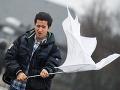 SHMÚ varuje: Pre sever Slovenska je vydaná výstraha I. stupňa pred nárazovým vetrom
