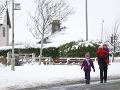 Počasie komplikuje situáciu v Británii: Írsko čelí prudkému vetru