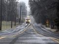 Severovýchod USA sa zmenil na klzisko: Stovky nehôd, hromadné havárie a niekoľko mŕtvych!