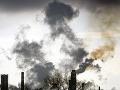 Ľuďom, ktorí bývajú v okolí rafinérie Slovnaft, praskli nervy: Hluk a zápach, spísali petíciu