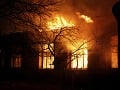 Hasiči mali krušnú noc: V Želiezovciach horel rodinný dom