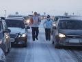Sneh narobil motoristom problémy