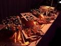 Pre hostí bolo pripravené bohaté občerstvenie.