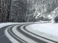 Slováci, dajte si na cestách pozor: Výstraha pred poľadovicou
