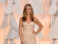 Jennifer Aniston to počas slávnostného večera svedčalo.