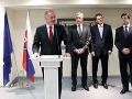 (Zľava) Prezident SR Andrej Kiska, stály predstaviteľ SR pri EÚ, veľvyslanec Ivan Korčok, podpredseda Európskej komisie (EK) Maroš Šefčovič a podpredseda vlády a minister zahraničných vecí a európskych záležitostí Miroslav Lajčák
