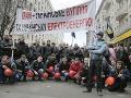 V Kyjeve protestujú baníci a vojnoví veteráni: Pochod sa zmenil na násilnosti
