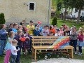 V Dolnom Lopašove berú mladí kultúru do vlastných rúk: Takúto lavičku ste ešte nevideli!