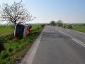 Havária na východe: Autobus zišiel do priekopy, deväť ľudí sa zranilo, tisícové škody