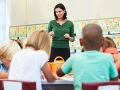 Rozdiely vo vzdelaní rómskej a majoritnej populácie sú priepastné, uvádza Ministerstvo vnútra