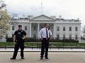Poplach pri Bielom dome: Zadržali podozrivého muža, ktorý tvrdil, že má v taške bombu