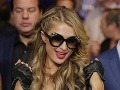 Paris Hilton pozornosť médií miluje.