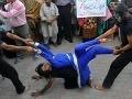 Sexzverstvá Islamského štátu: Vyberajú najkrajšie panny a robia s nimi extrémne akty!