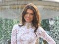 Riaditeľka Miss Slovensko Karolína Chomisteková sa obliekla do nežnej bielej.