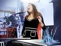 Neslýchané: Speváčka vytvorila kreditnú kartu svojím hlasom