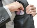 Energetici varujú pred podvodníkom: Od ľudí láka peniaze za faktúry elektriny