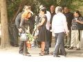 Rodina Šarköziovcov na poslednej rozlúčke ich kamarátky Zity Orlickej.