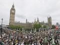 Demonštrácie zachvátili aj Britániu: Pozrite, proti čomu protestovali desaťtisíce!