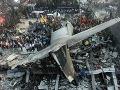 Strašný pohľad: Medzi ľudí padlo dve minúty po štarte lietadlo, 140 mŕtvych!