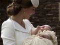 Británia má za sebou krst malej princeznej Charlotte: Čakali na ňu davy fanúšikov!