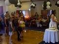 VIDEO Keď musíš, tak musíš: Dievčina urobila na svadbe niečo nezvyčajné, pozrite sa prečo