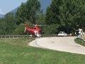 Pri Liptovskej Mare zasahoval vrtuľník: Chlapčeka (4) nemeckých dovolenkárov zrazilo auto