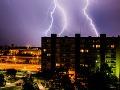 Extrémne búrky sa valia na Slovensko: MAPA rizikových oblastí, bude to drsné!