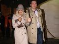 Herec Marek Majeský s manželkou Janou si obliekli podobné kabáty. Spolu im to skvele ladilo.