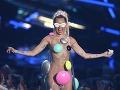 Takéto outfity preferovala Miley Cyrus v minulosti.