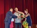 Ján Kroner dostal kvetiny.