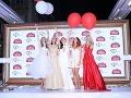 Moderátorky Fashion TV počas večera vypustili balóny.