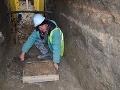 FOTO Slovensko má ďalší archeologický unikát: Pri kopaní kanalizácie našli záhadný opasok
