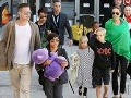 Brad Pitt a Angelina Jolie s deťmi