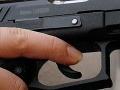 Mladý Humenčan strieľal z idúceho auta: Na krku už má obvinenie z výtržníctva