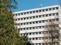 KORONAVÍRUS Fakultná nemocnica v Žiline žiada lekárov o pomoc: Situácia je kritická