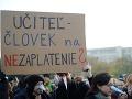 Pre úspech učiteľského štrajku potrebujú tisíc škôl: Zatiaľ sa prihlásila len desatina