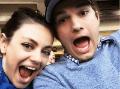Ďalšie prominentné dieťa na ceste: Ashton Kutcher a Mila Kunis dvojnásobnými rodičmi!