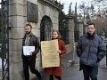 Aktivisti odovzdali vláde vysvedčenie