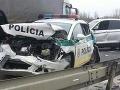 FOTO Hrozivá nehoda  v Bratislave: Policajné auto na šrot, dvaja muži zákona zranení