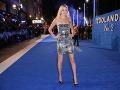 Modelka Lara Stone si obliekla minišaty, ktoré jej postavičke rozhodne lichotia.