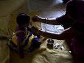 India spustila masívnu kampaň: Začalo sa odčervovanie miliónov detí