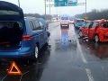 Nehody na bratislavskom moste Lafranconi: V oboch smeroch sa tvoria rozsiahle kolóny