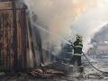 V Poprade vypukol obrovský požiar: FOTO Horí aj nocľaháreň, evakuovať museli desiatky ľudí