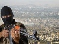 Džihádistu obvinili v Nemecku z krvavých masakrov: Rezanie obetí si nakrúcal na mobil!