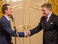 Predseda strany Sieť Radoslav Procházka a predseda strany Smer-SD Robert Fico