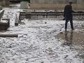 Metropola pod vodou! Rieka sa vyliala z brehov, takmer päť miliónov ľudí v zúfalej situácii